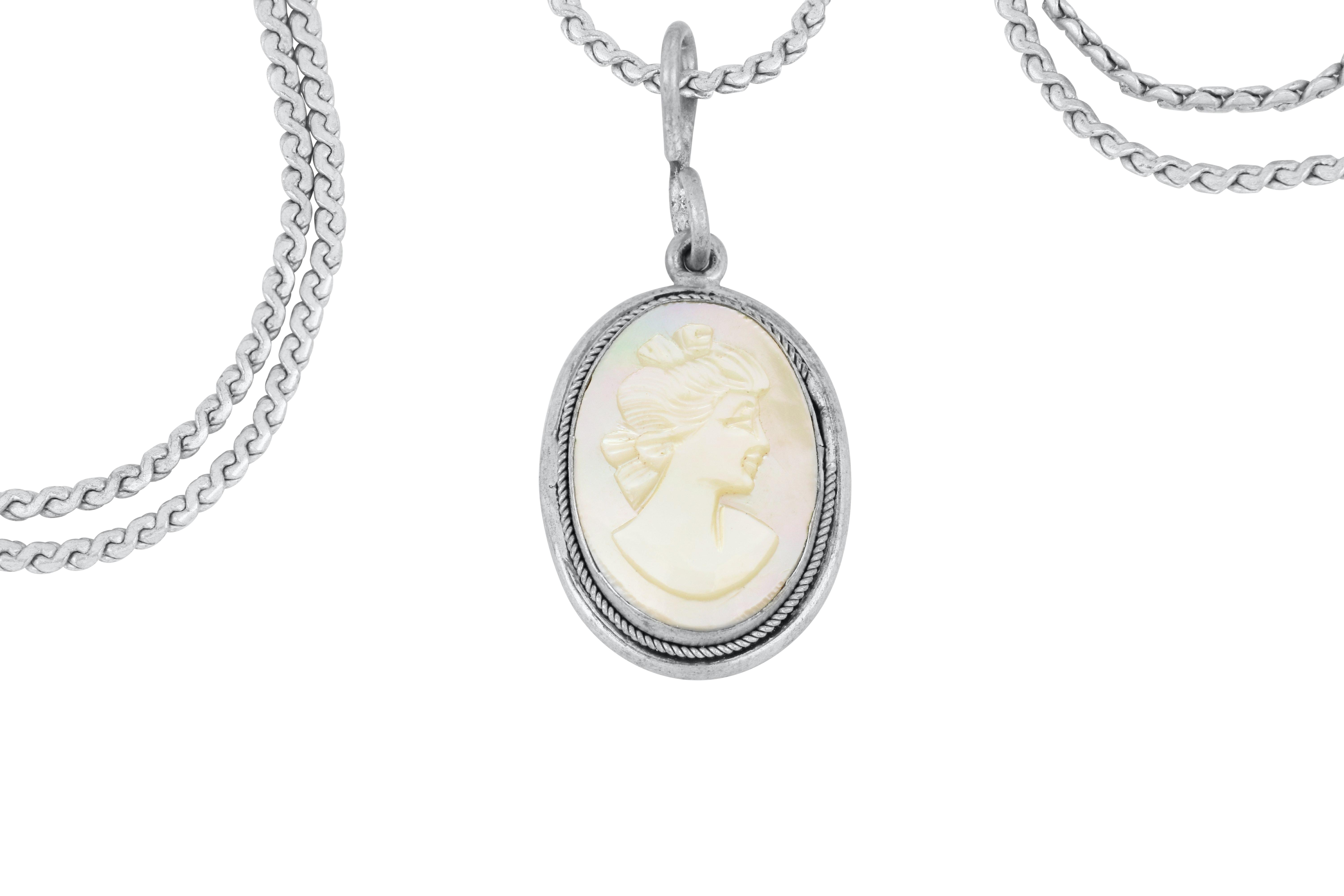 Sterling silver mother of pearl pendant on neck chain