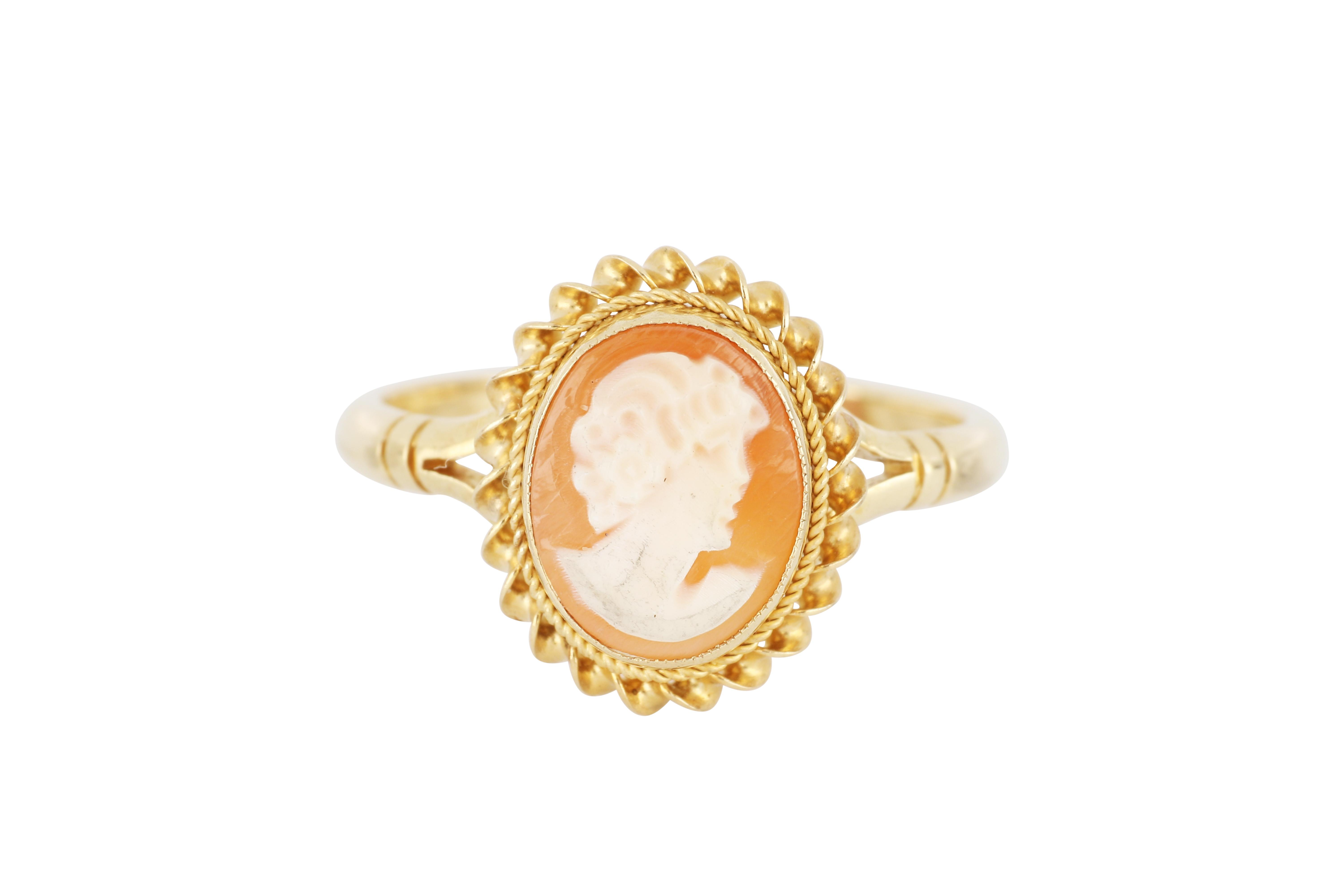 9ct gold cameo dress ring