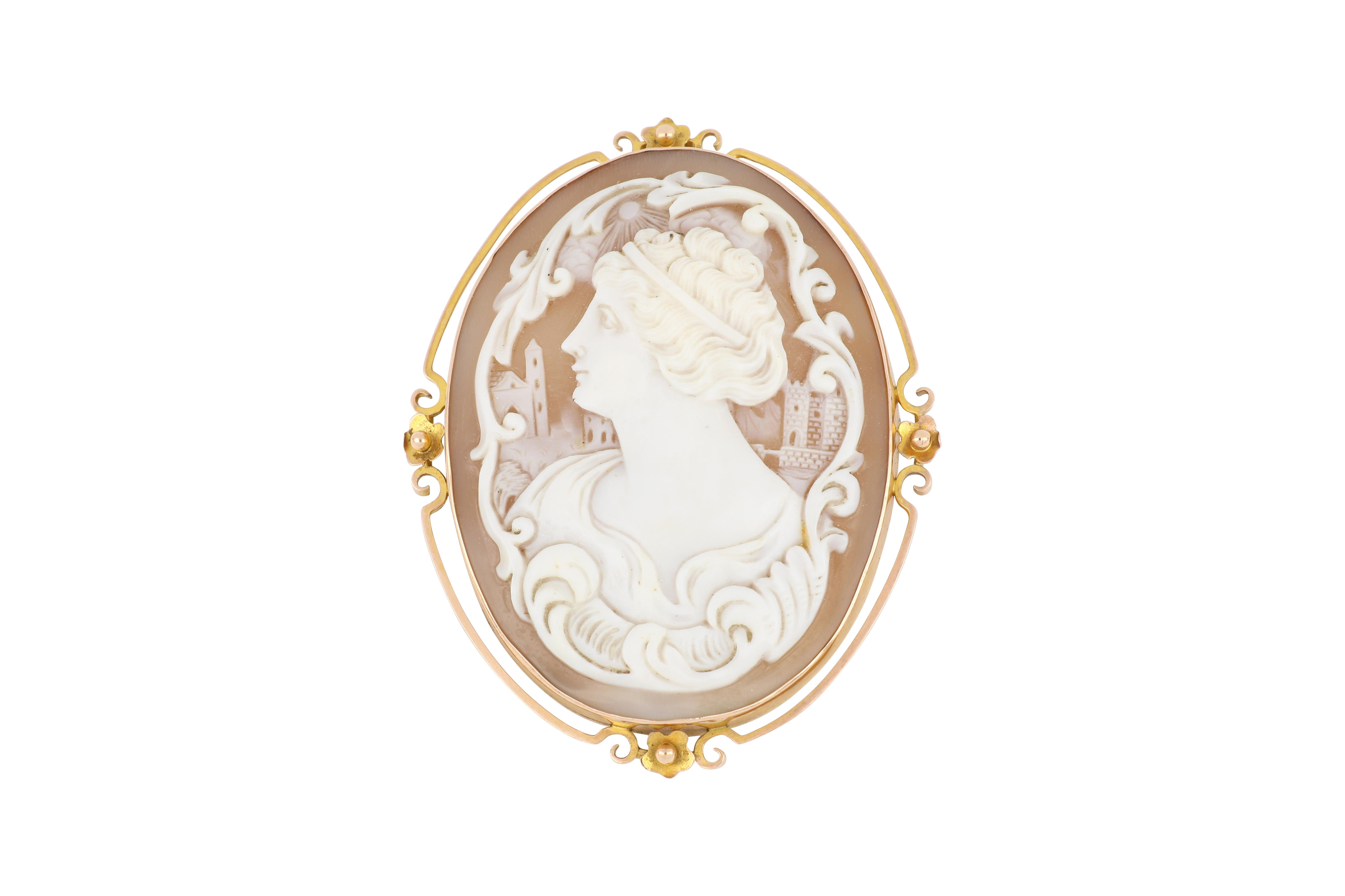 Large 9ct gold cameo brooch