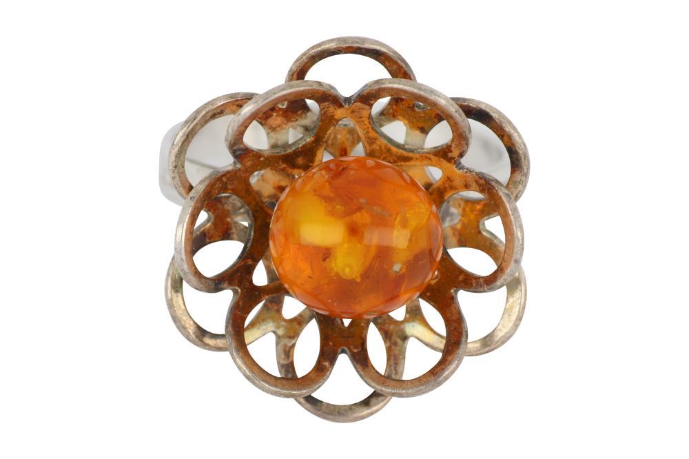 Vintage European fine silver .835 flower design ring set with a polished natural Amber sphere
