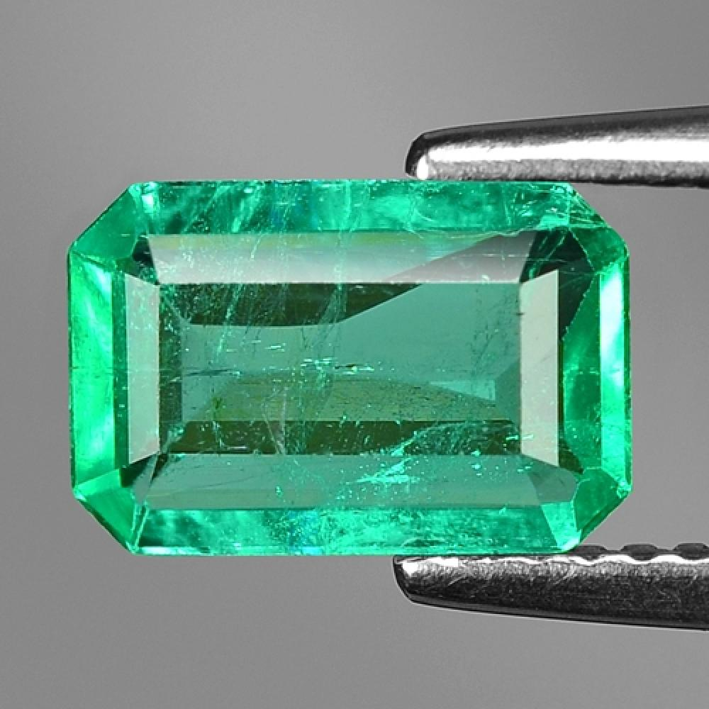 Green Colour Natural Colombian Emerald 1.11ct