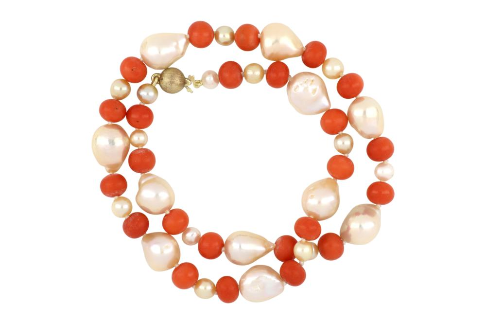 Vintage orange coral, baroque pearl and pearl necklace, 40 cms long, Weight 35.00 grams
