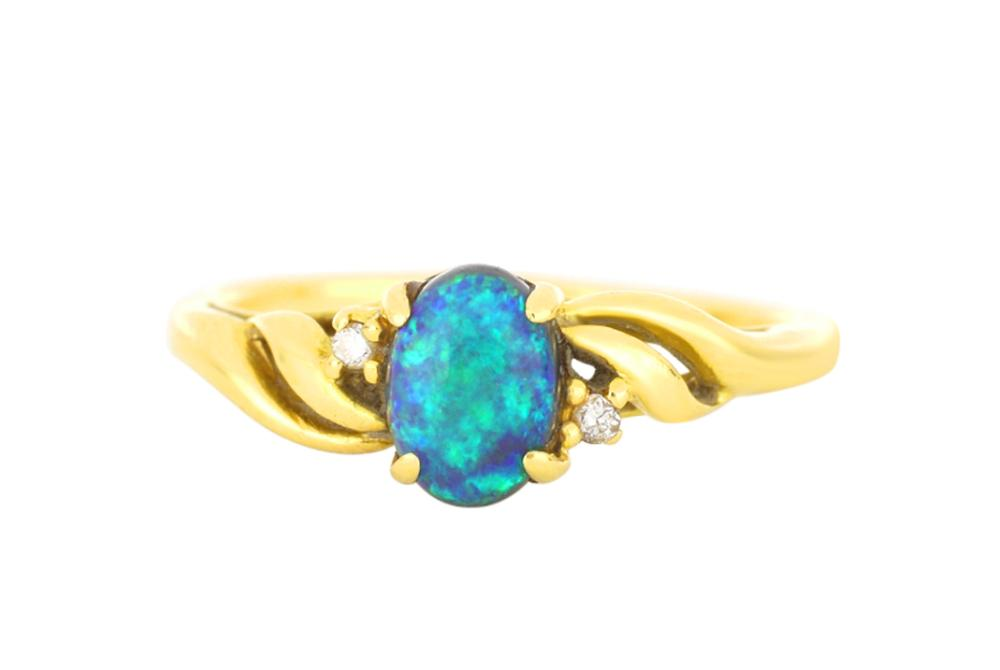 18ct gold opal & diamond ring