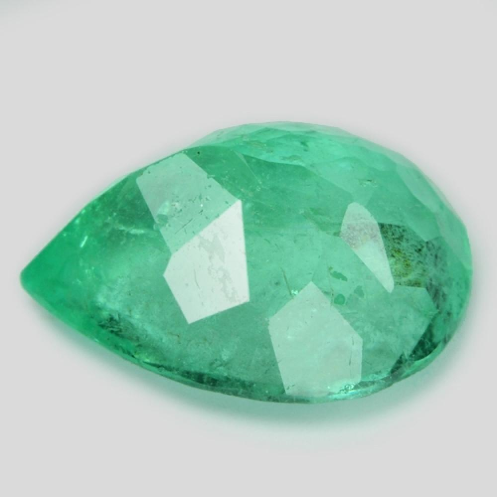 11.38 Carat Very Rare Green Color Natural Colombian Emerald Loose Gemstone
