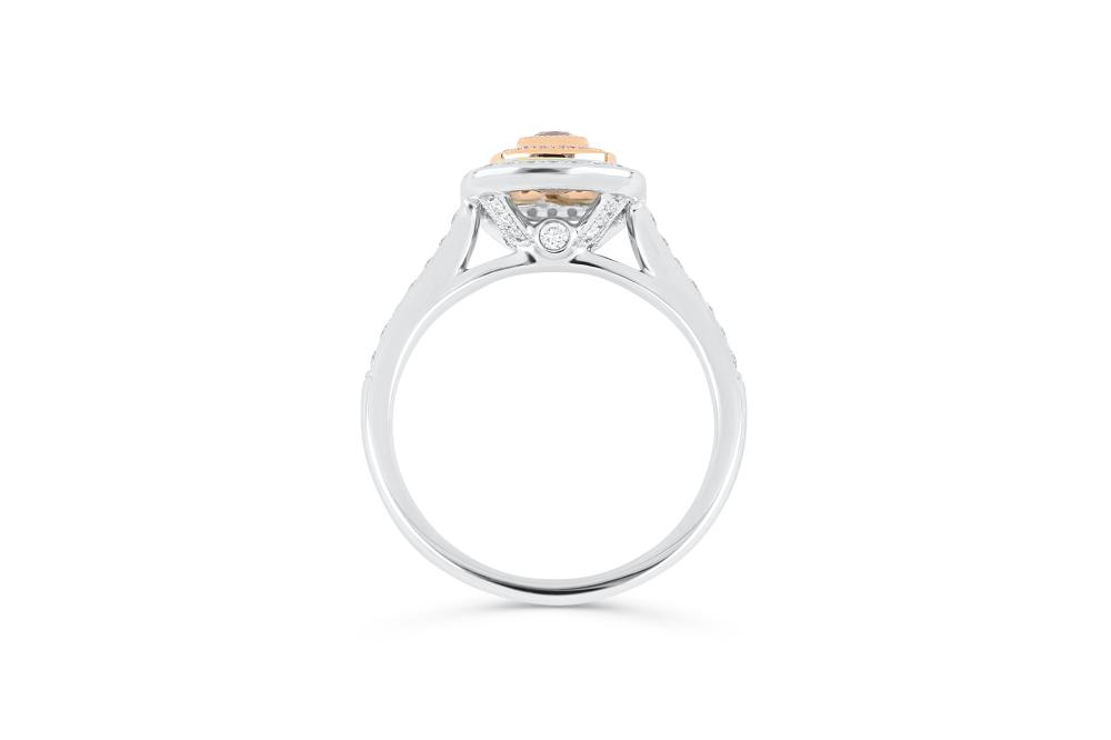 18k gold ring set with a centre FIPP 0.194ct cushion cut natural diamond