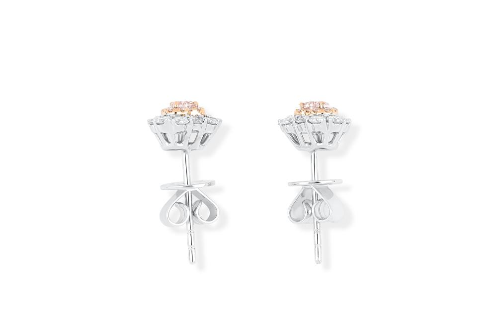 18k gold ear studs set with central FP Argyle 0.092ct & 0.102ct heart cut natural diamonds