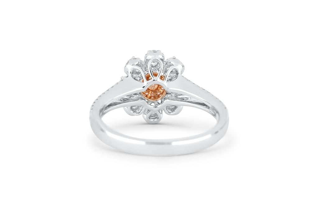 18k gold ring set with a centre FDPP 0.108ct oval cut natural diamond