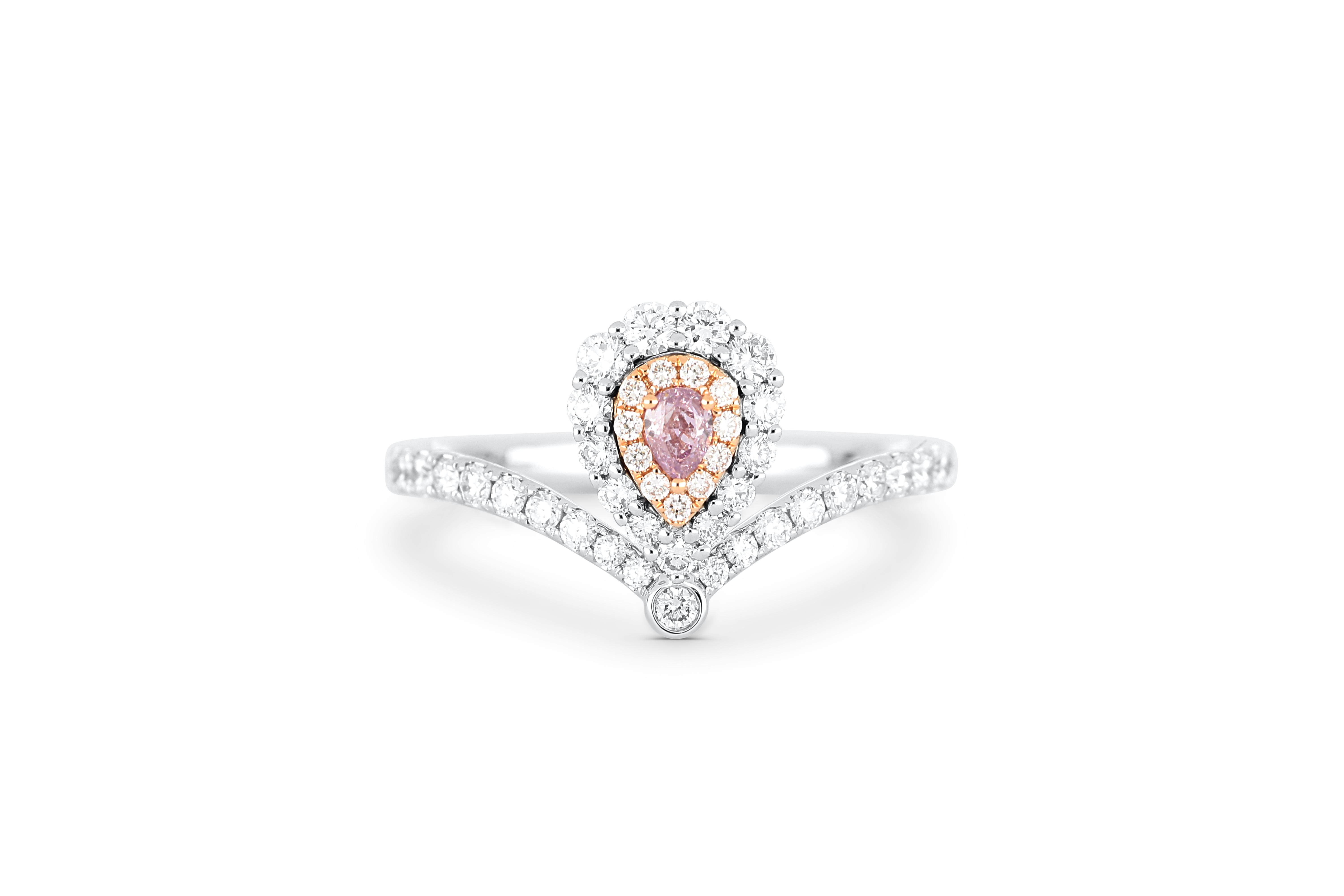 18k gold ring set with a centre FIPP 0.094ct pear cut natural diamond
