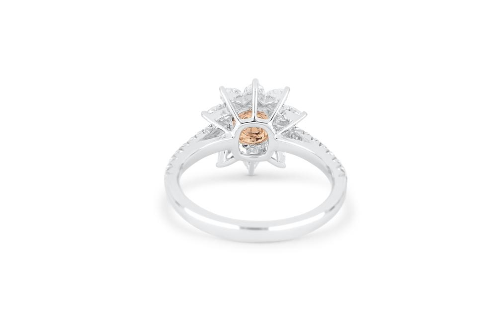 18k gold ring set with a centre FP Argyle 0.18ct radiant cut natural diamond