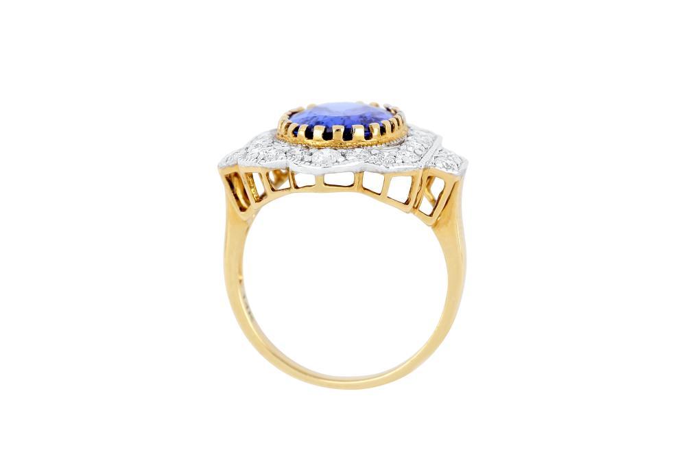 14k gold ring set with a 4.30ct tanzanite & diamonds