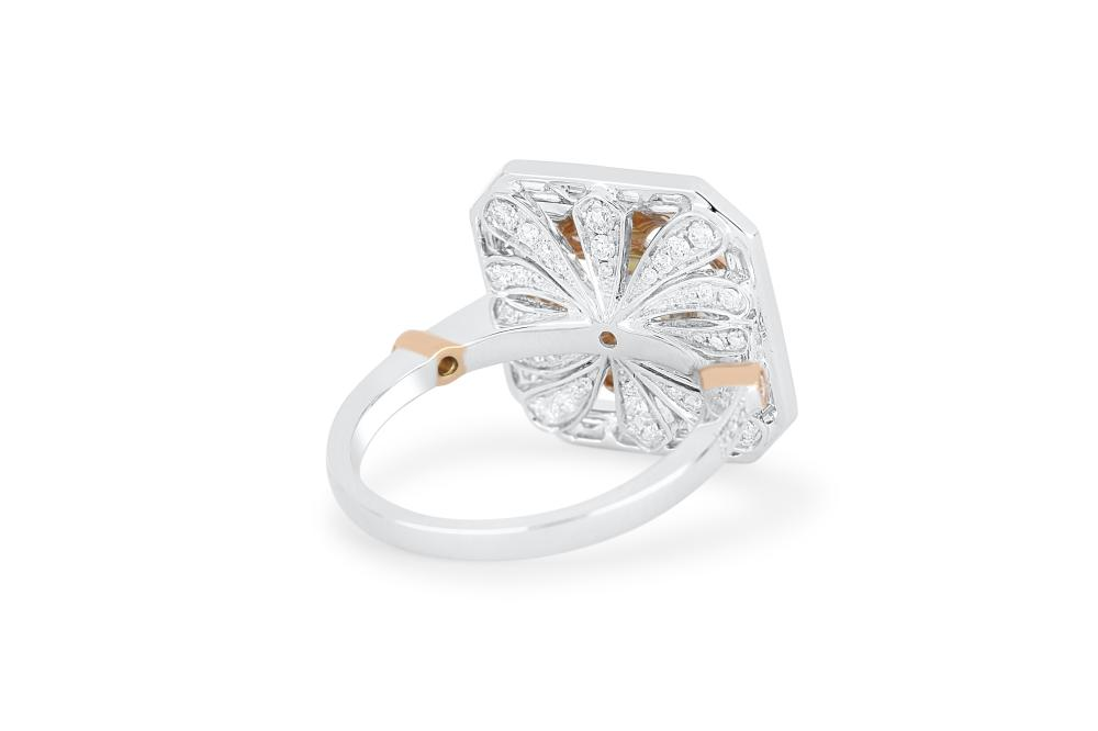 18k gold ring set with 1.78cts of diamonds