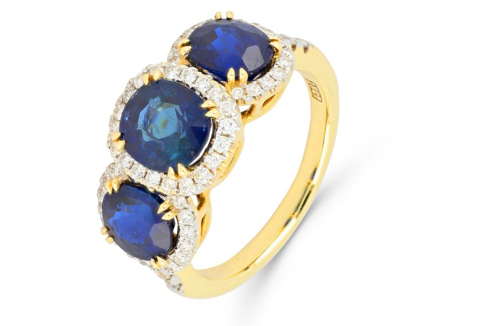 18ct gold sapphire & diamond ring, 5.73 grams