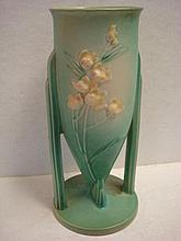 ROSEVILLE IXIA Vase: Delicate Floral Cluster on
