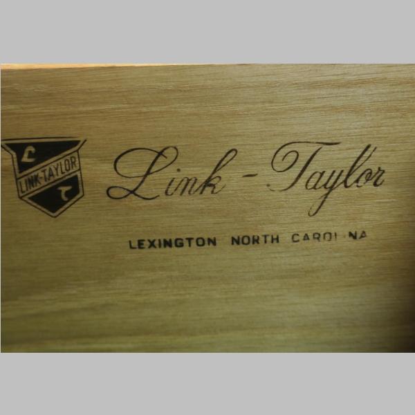 Link Taylor Solid Settlers White Pine Bedroom Set: