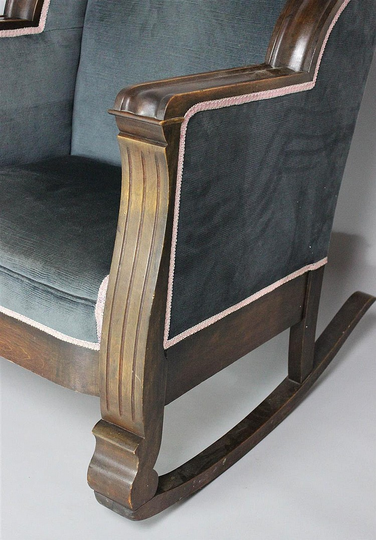 Classical style arm chair and matching rocking chair en sui for Matching arm chairs