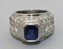 ART DECO PLATINUM AND BLUE SAPPHIRE RING WITH DIAMONDS