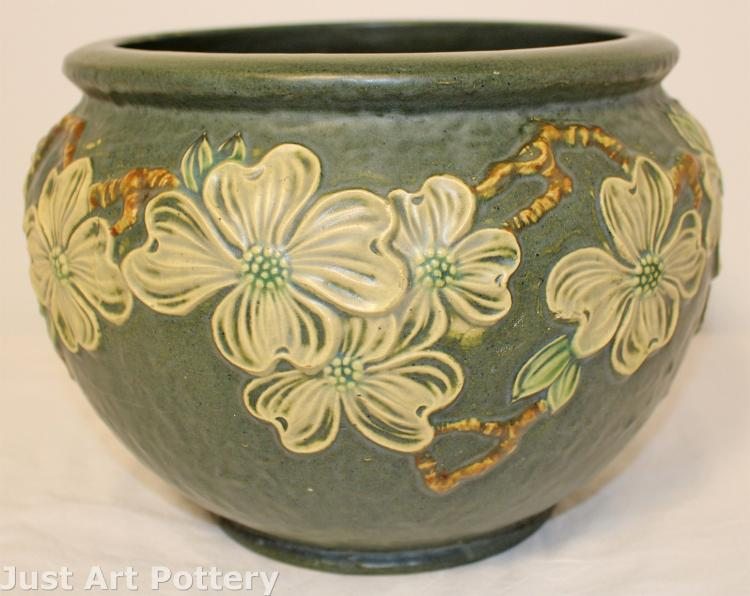 Roseville Pottery Dogwood Textured Jardiniere 602-8