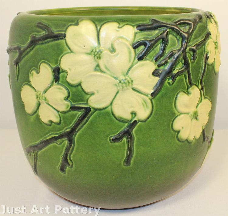 Roseville Pottery Dogwood Smooth Jardiniere 590-10