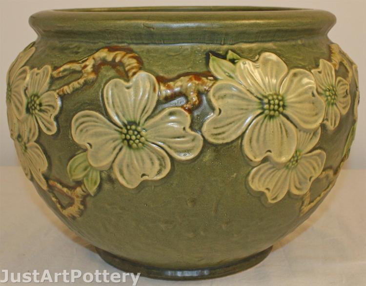 Roseville Pottery Dogwood Textured Jardiniere 608-8