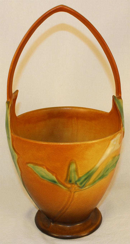 Roseville Pottery Thornapple Tan Basket 343-12