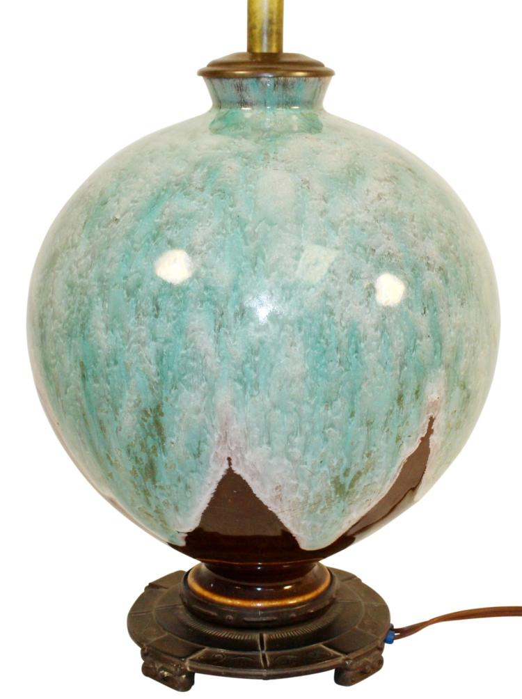 Roseville Pottery Factory Bulbous Glossy Lamp