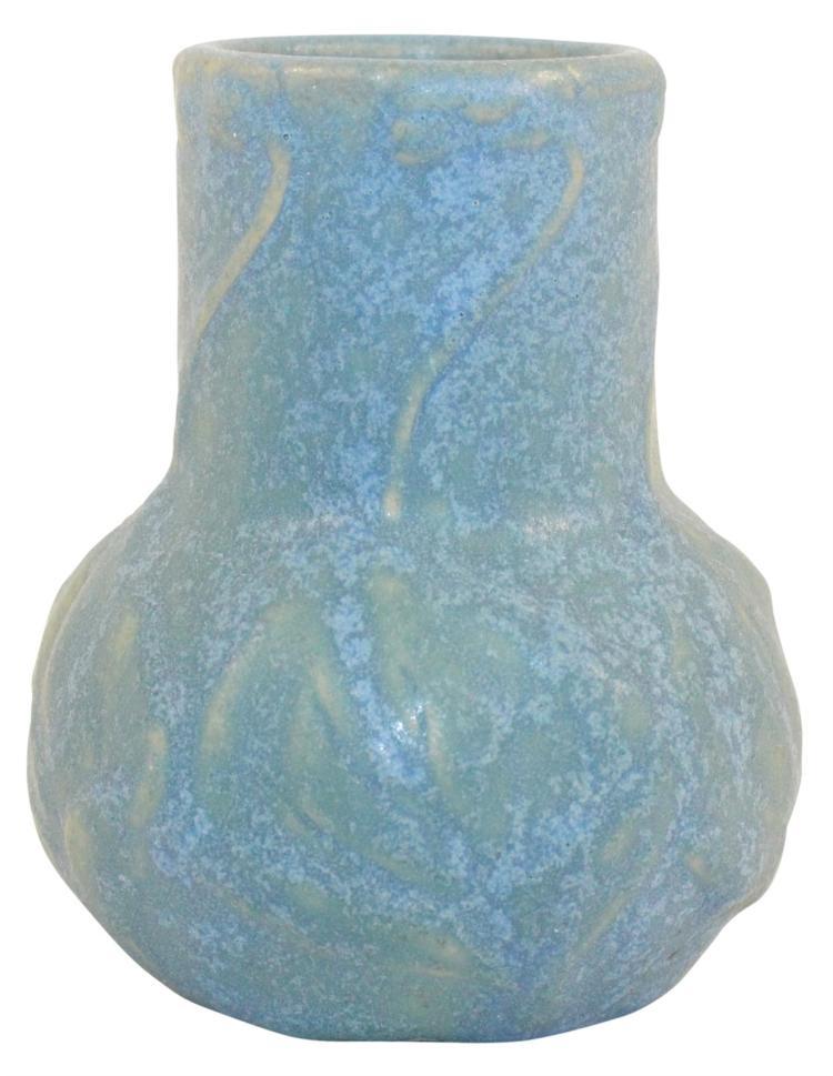 Van Briggle Pottery 1907-12 Leaves And Violets Vase Shape 645