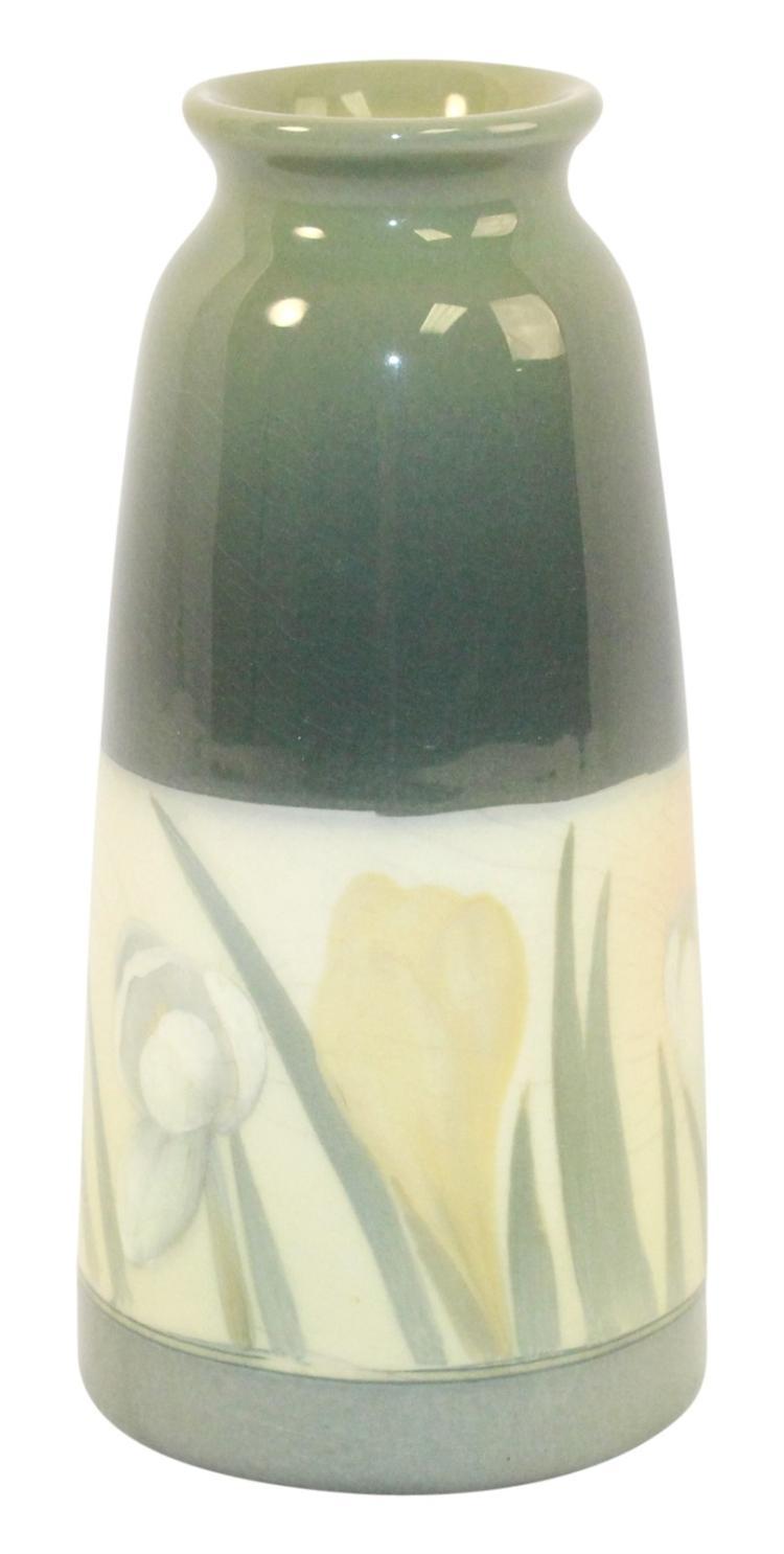 Rookwood Pottery 1910 Iris Glaze Vase 1658F (Lincoln)