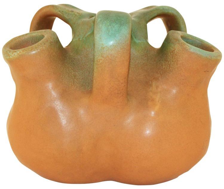 Muncie Pottery Spanish Line Matte Green Drip Over Pumpkin Handled Aorta Vase 278-5