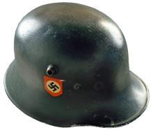WWI GERMAN STEEL HELMET.