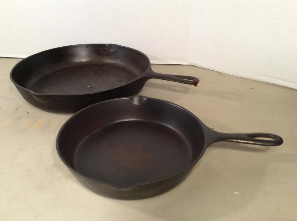 2 Cast Iron Skillets