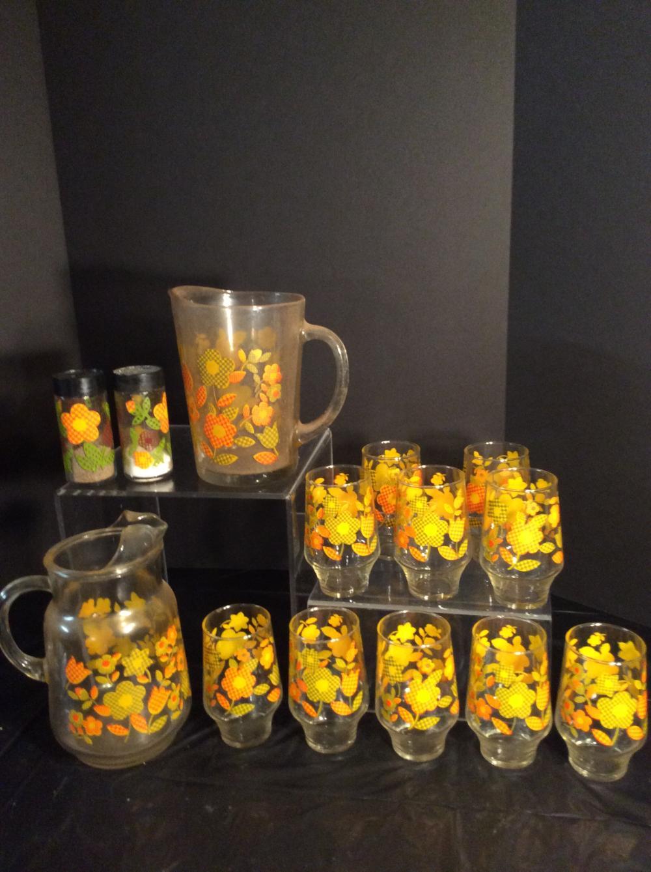Gingham Flower Beverage Set & S & P Shakers