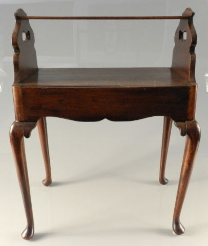 18th century mahogany book stand for Table 09 pointe claire