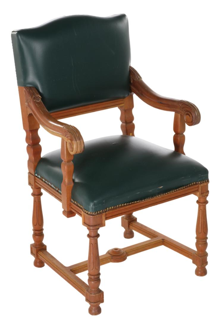 Titanic 1st Class dining room chair : H3257 L119832501 from www.invaluable.co.uk size 750 x 1082 jpeg 53kB