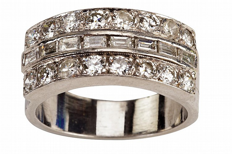 Elvis Presleyu0027s Custom Made Diamond And Platinum Wedding Ring For His  Marriage To Priscilla.