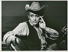 Oversize portrait of James Dean as