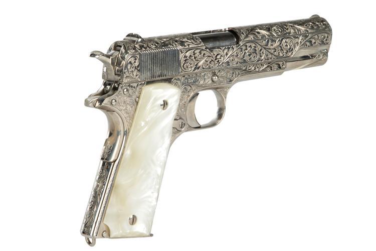 billy zane titanic gun - photo #34