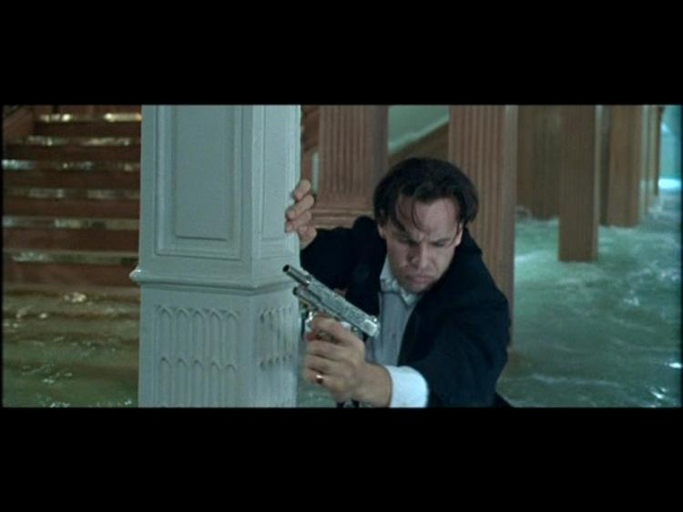 billy zane titanic gun - photo #13