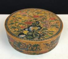 WOOD BOX WITH LACQUER PAINTING