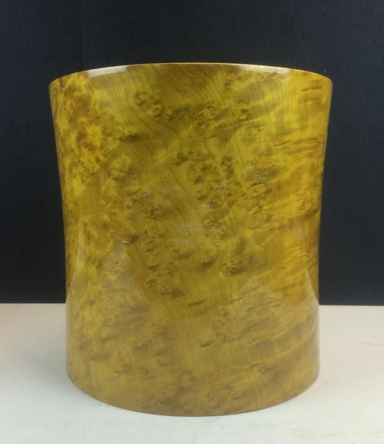 GOLDEN NANMU WOOD BRUSH POT
