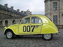 Citroen, 2CV4 customisée 007, mec 13/10/1977, compteur 132000 km, moteur changé depuis 40000km, restaurations faites selon les normes, bel état