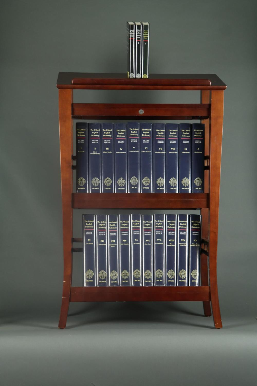 Lot 306: 23 vols. Oxford English Dictionary. 1989-97.