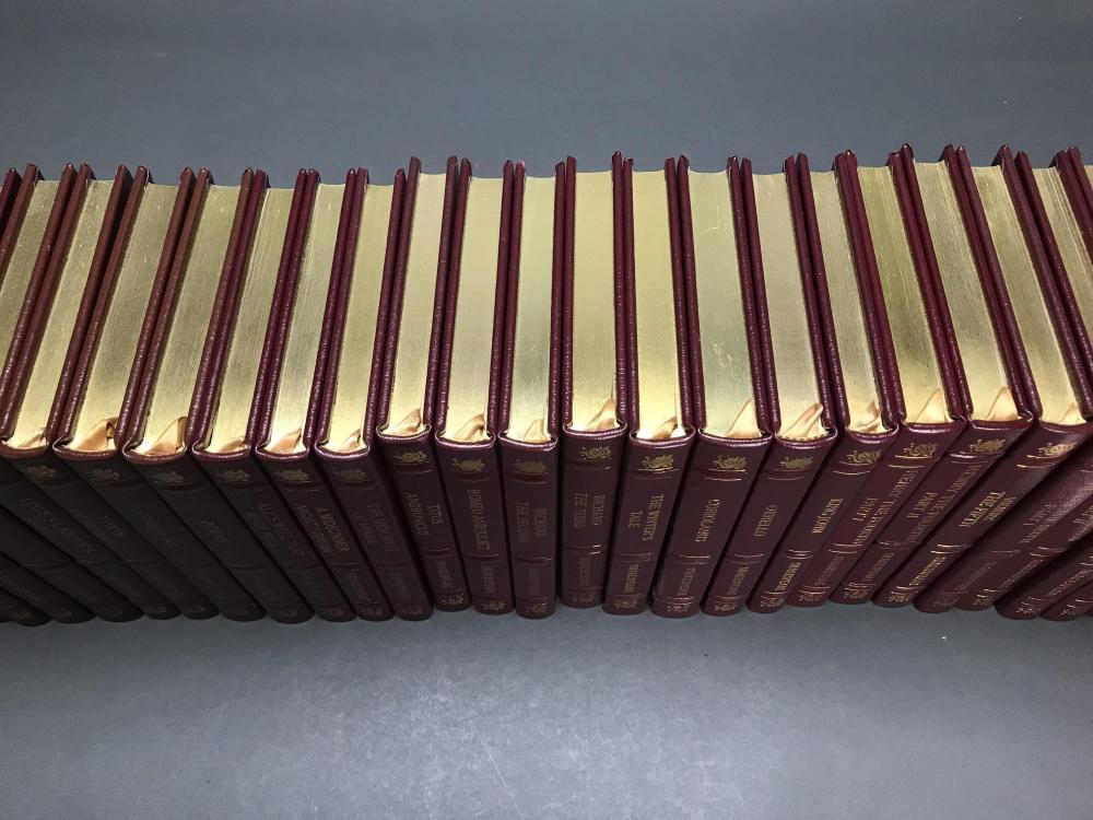 38 vols. Shakespeare Set. Easton. 2010.