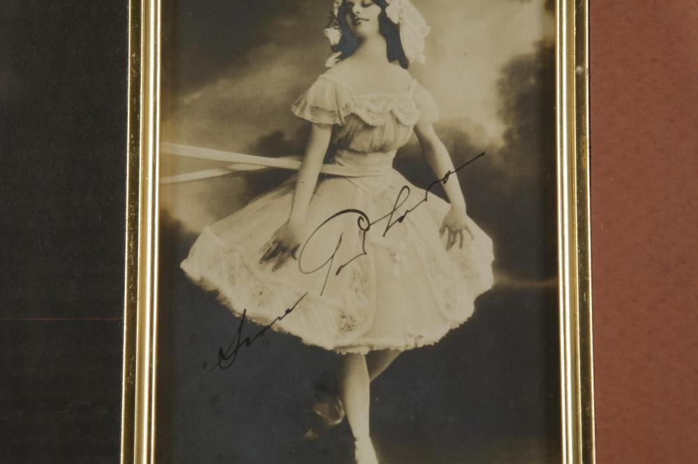 Lot 104: Anna Pavlova. Photograph Signed.