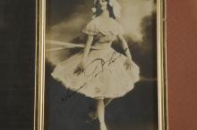Lot 104: Anna Pavlova. Photograph Signed.
