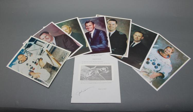 9 signed items: Astronauts (7 photos + 1 card).