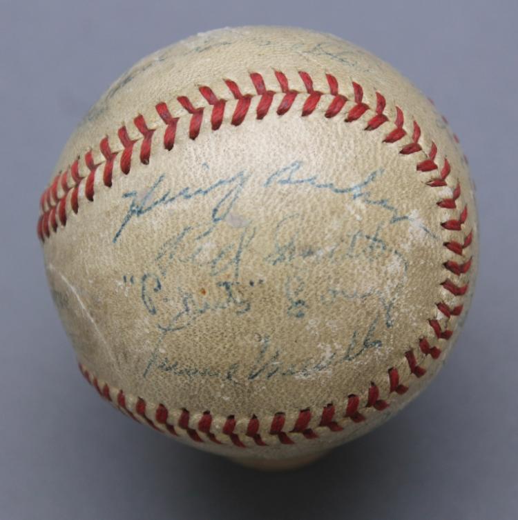 Chicago Cubs baseball c. 1946 w/ 15+ signatures
