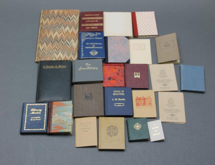 22 miniature books incl: MINIATUR EXLIBRIS.