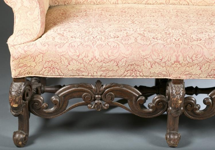 Louis xiv style sofa with floral upholstery for Chaise style louis xiv