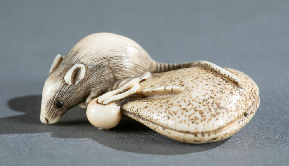 Ivory netsuke rat, coin purse and mushroom, 19th C