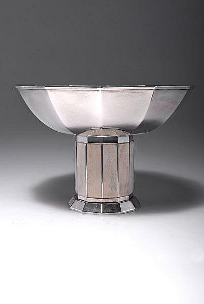 Wolfers Freres, Brussels. Footed bowl, c. 1935. H.